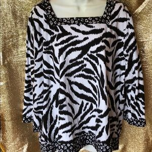 Alfred Dunner animal print tunic. XL